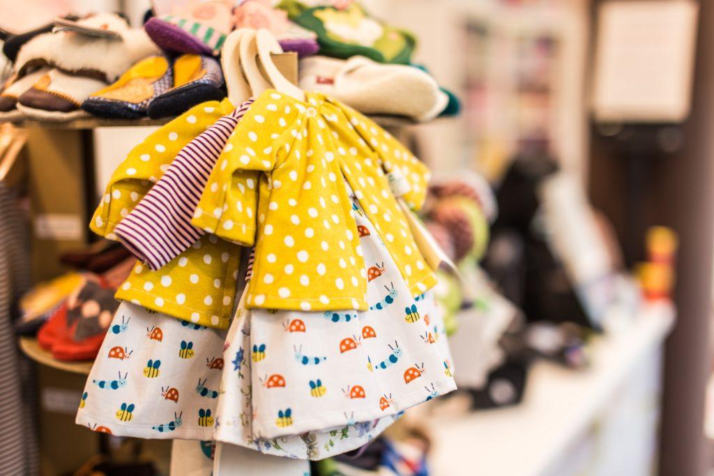 Особенности заказа детской одежды оптом из Китая
